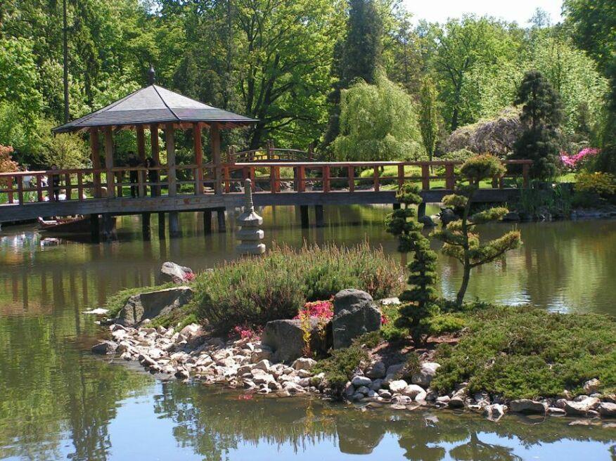 Garden Bridges image 006