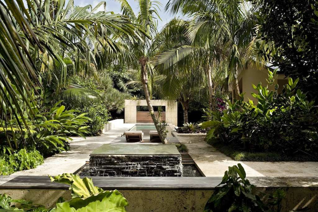 Tropical Garden Design image 004
