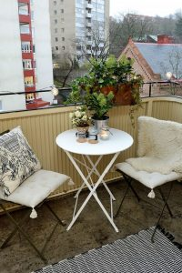 Upstairs Outdoor Apartment 4