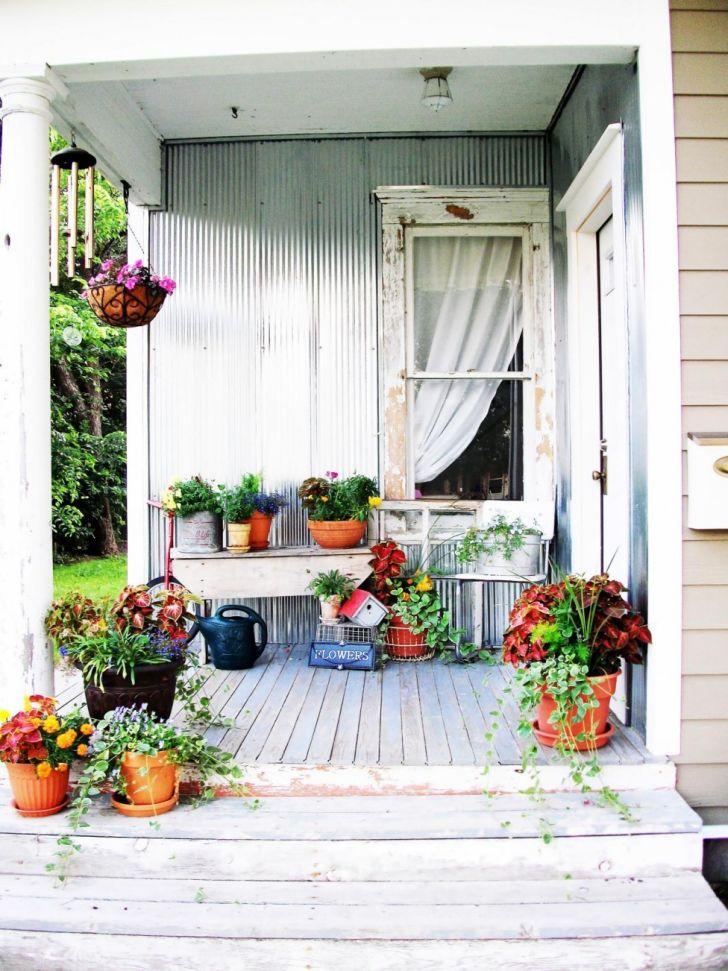 Halloween Farmhouse Porch Ideas