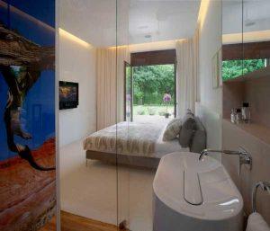 Multi-Functional Eko Park 3 Apartment