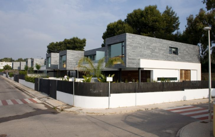 Modern Semi-Detached Homes in Valencia Spain