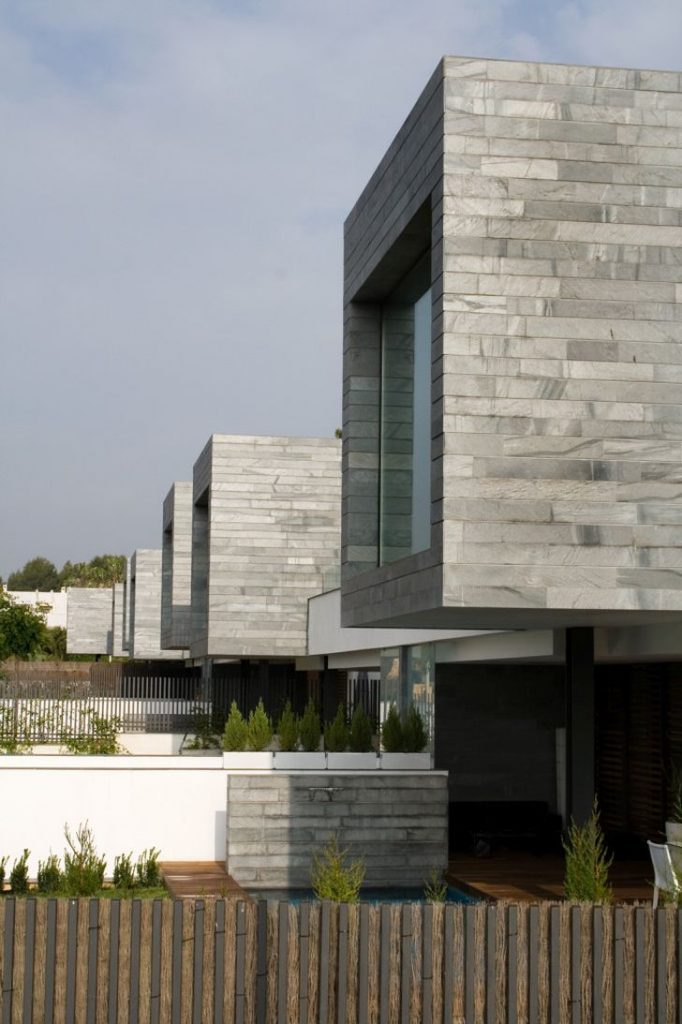 Modern Semi-Detached Homes with Contemporary Style