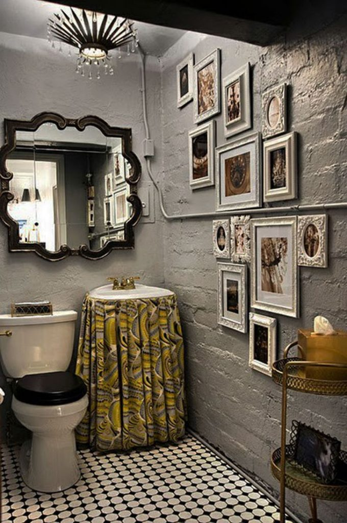 Small Bathroom Ideas with Gold Color Accessories