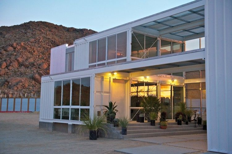 Container House in Mojave Desert by Ecotech Design 06