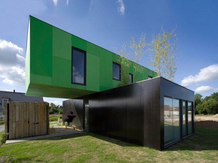 Eco-Friendly Crossbox House by CG Architectes 01