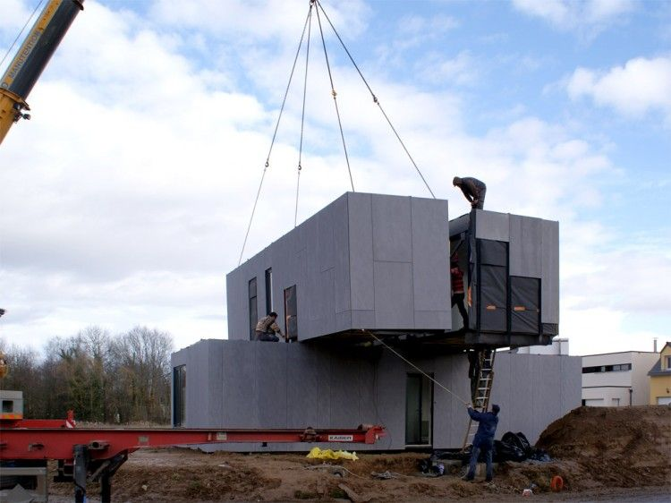 Eco-Friendly Crossbox House by CG Architectes 07