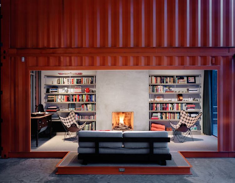The 12 Container House 04